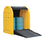 Covered plastic trapping tub for two barrels