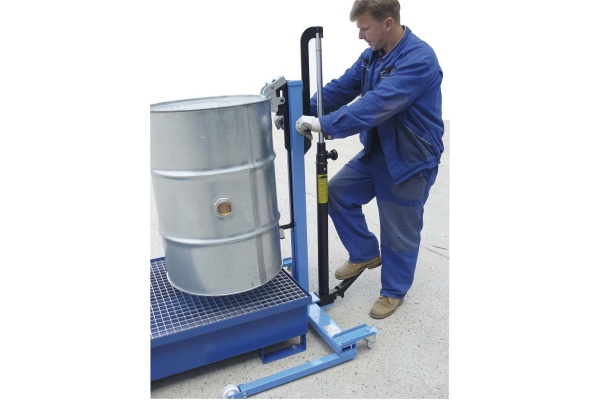 Hydraulic jack for barrels