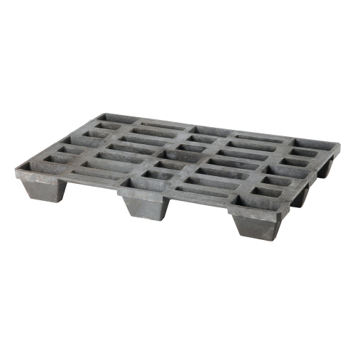 Stable plastic pallets